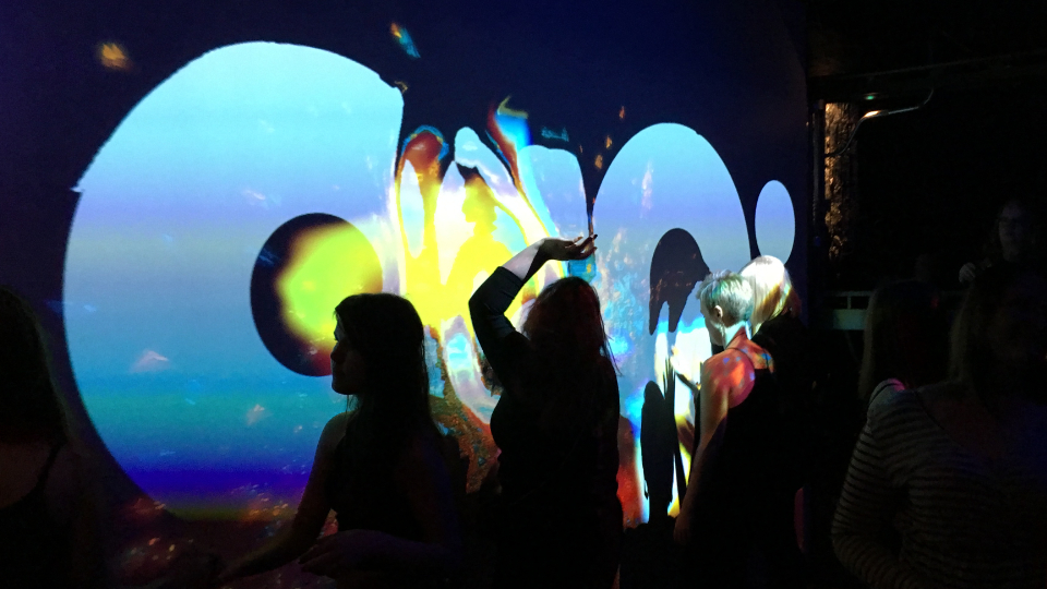 Magic Wall Vaakuna by OiOi